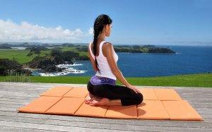 Йога идеальна для малоподвижных людей